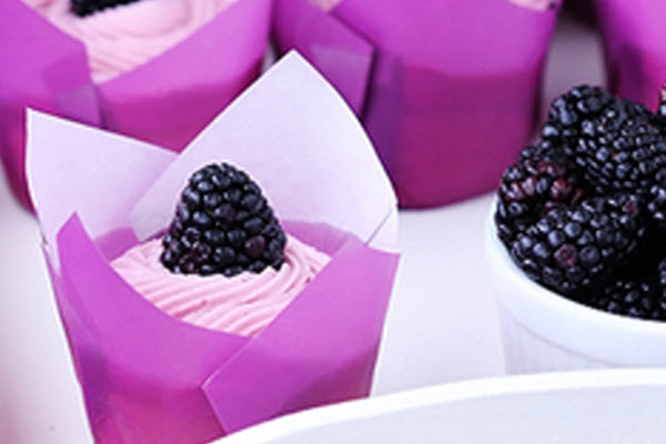 Blackberry White Chocolate Cupcakes - What a Beautiful Cupcake!