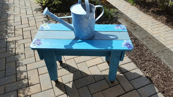 How To Quickly Beautify Any Piece Of Old Furniture