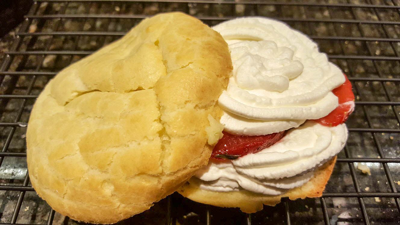 Strawberry Cream Puffs_