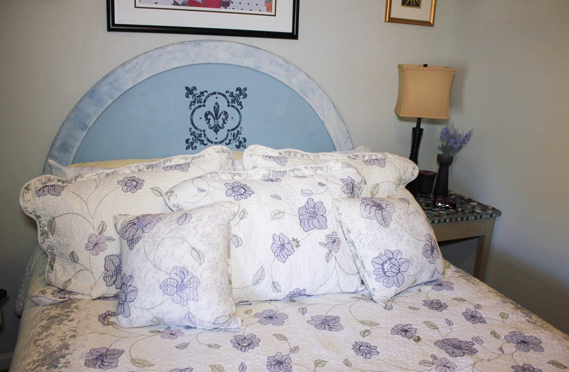 How To Easily Give Your Old Headboard A Dreamy Farmhouse Makeover