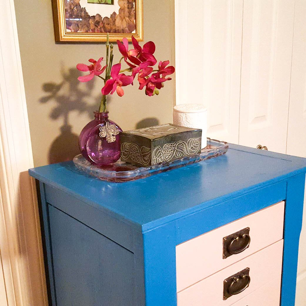 Easily Transform Your Old Furniture From Dreary To Cheery