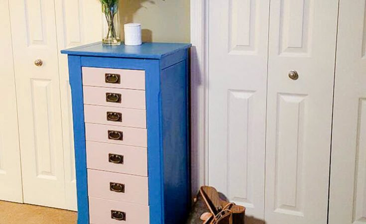 Easily Transform Your Old Furniture From Dreary To Cheery - Sassy Townhouse Living