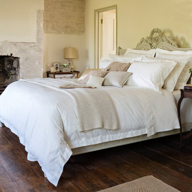 Get The Dreamy Bedroom Your Love With These 5 Easy Tips
