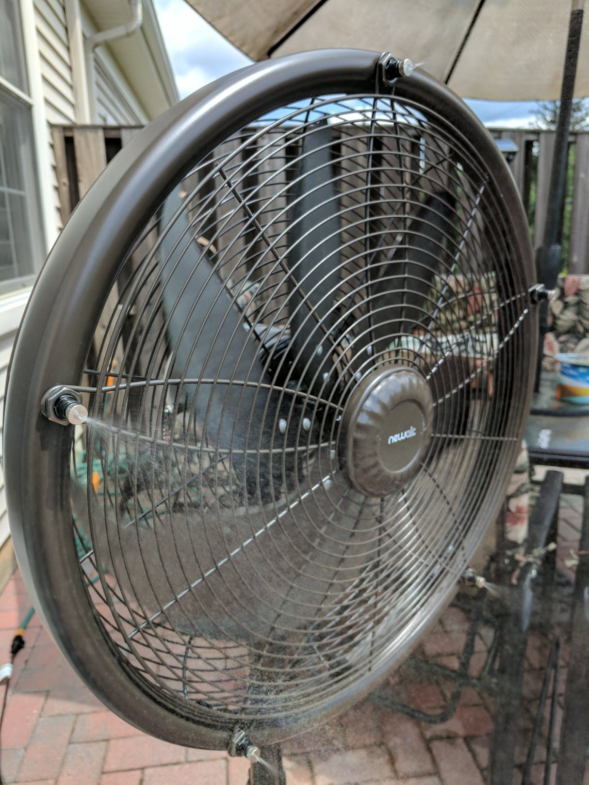 The Newair Outdoor Misting Fan