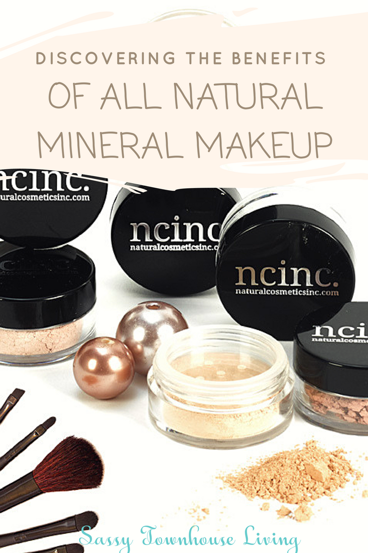 Discovering The Benefits Of All Natural Mineral Makeup - Sassy Townhouse Living