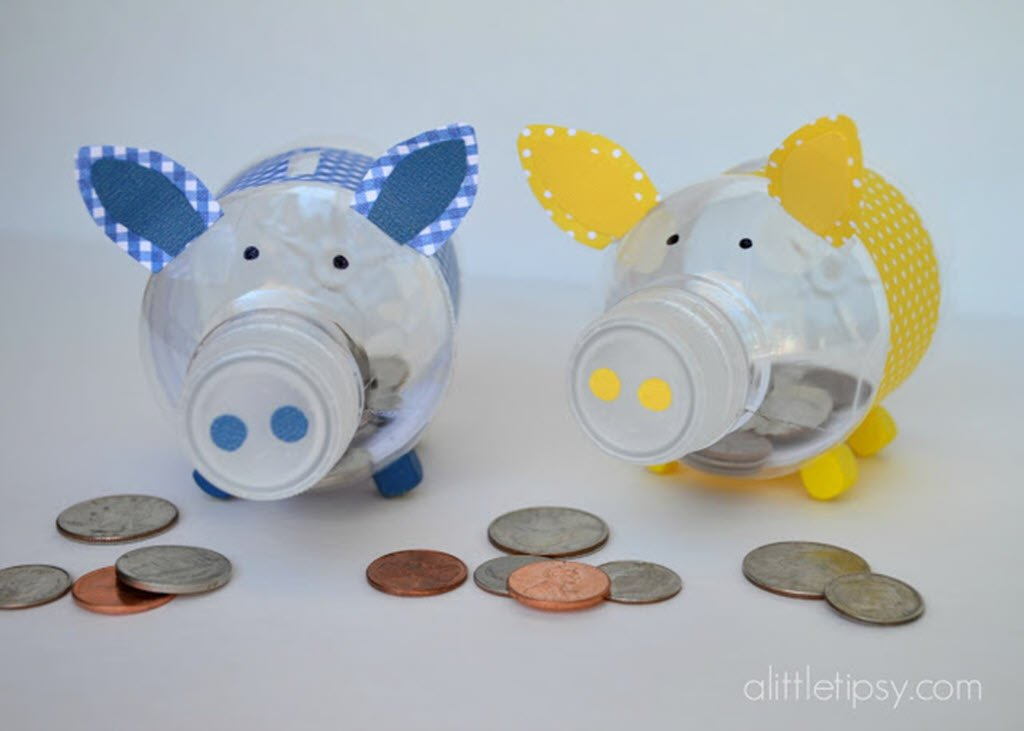 How to create a cute piglet piggy bank with reused plastic for Plastic piggy banks for kids