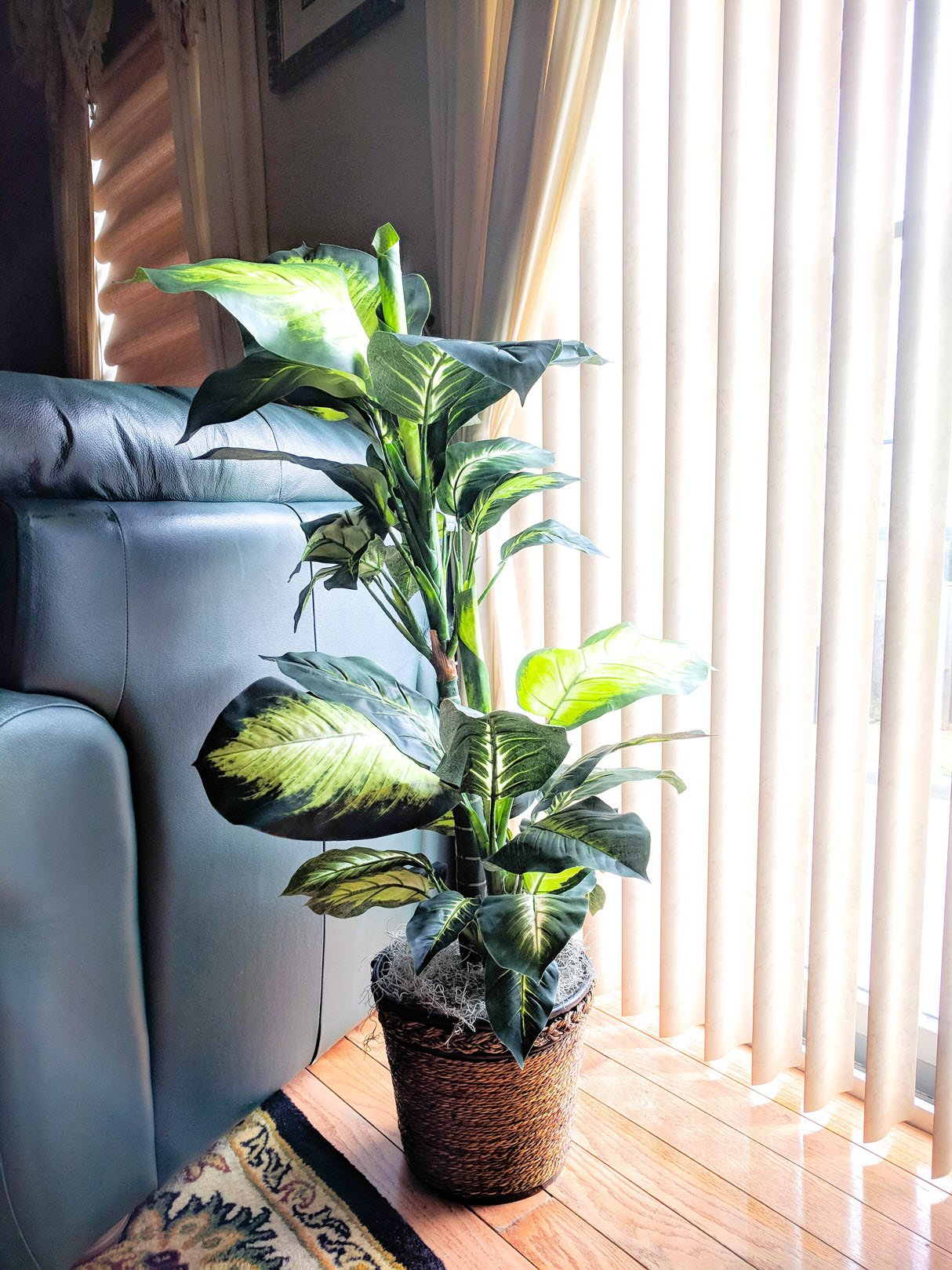 The Art Of Decorating With Artificial Plants - Easy Carfree ...