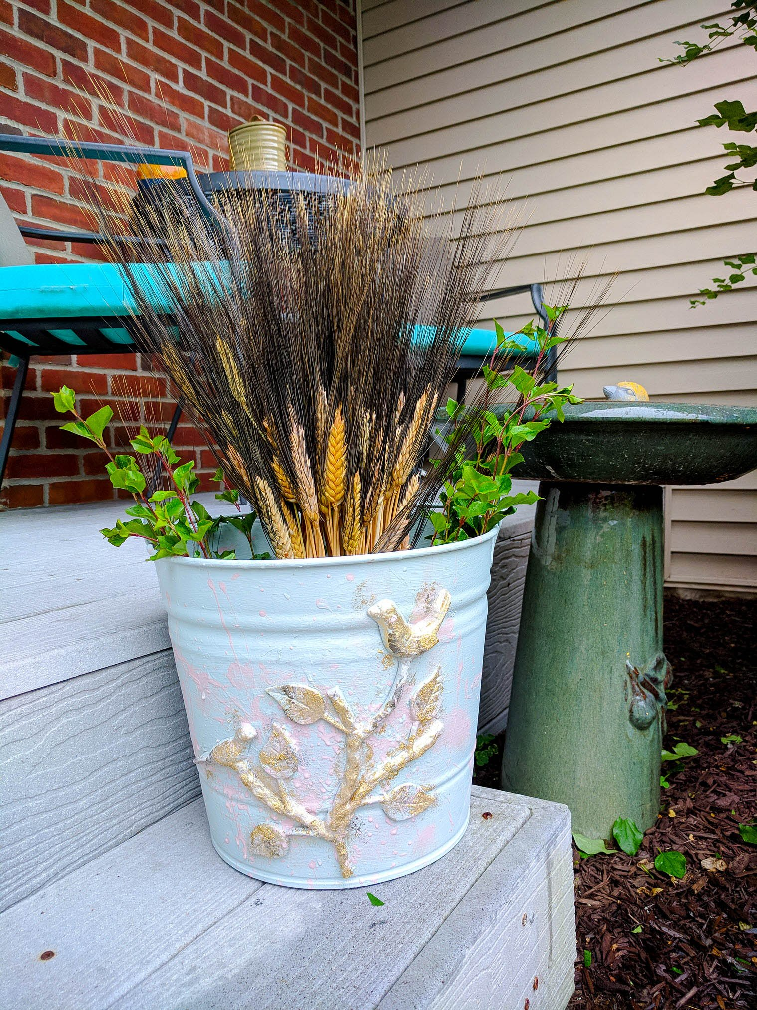 old metal bucket farmhouse decor