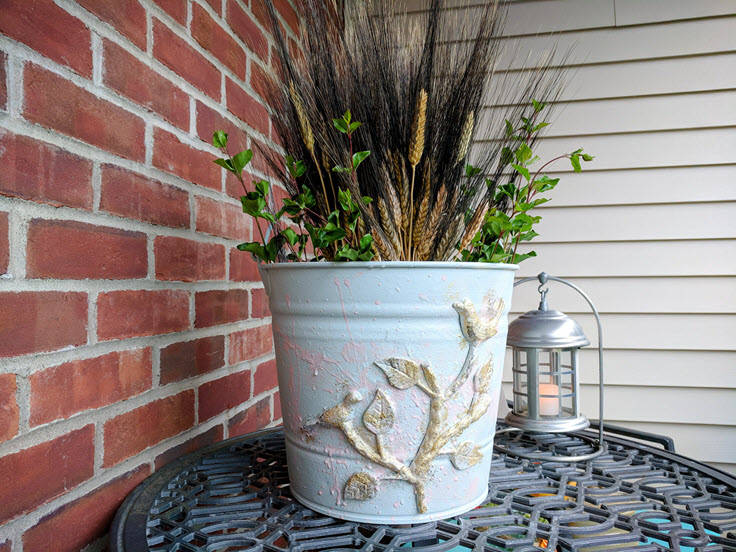 Old Metal Bucket Repurposed Into Charming Farmhouse Decor