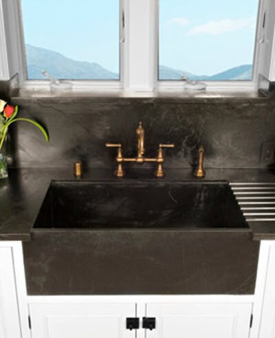 farmhouse kitchen sinks decor