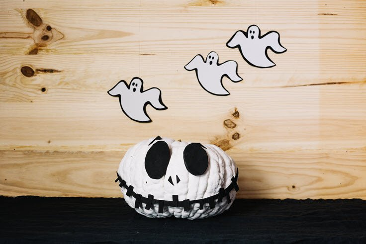 Halloween DIY Ideas For The Spookiest Home In Your Neighborhood