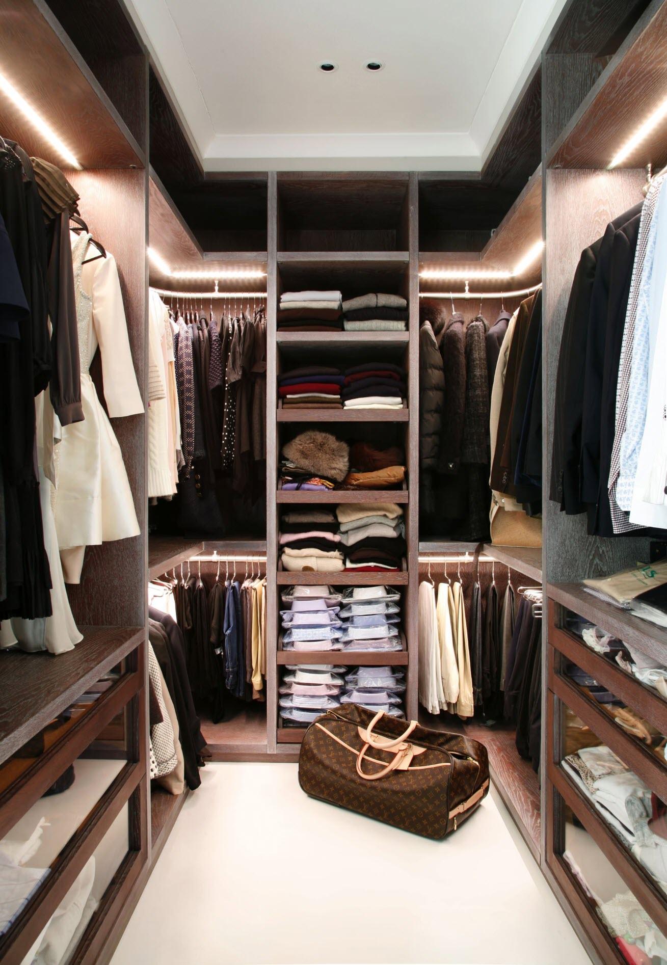 Modern Closet Designs