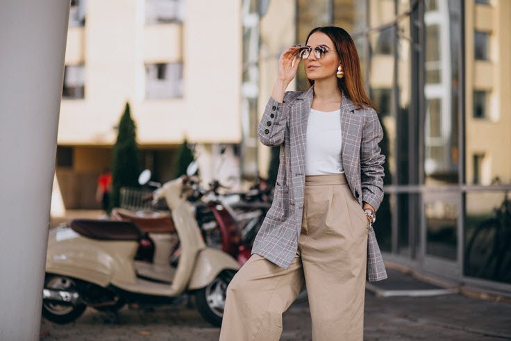 Here Are the 5 Fashion Must-Haves Every Woman Should Invest In
