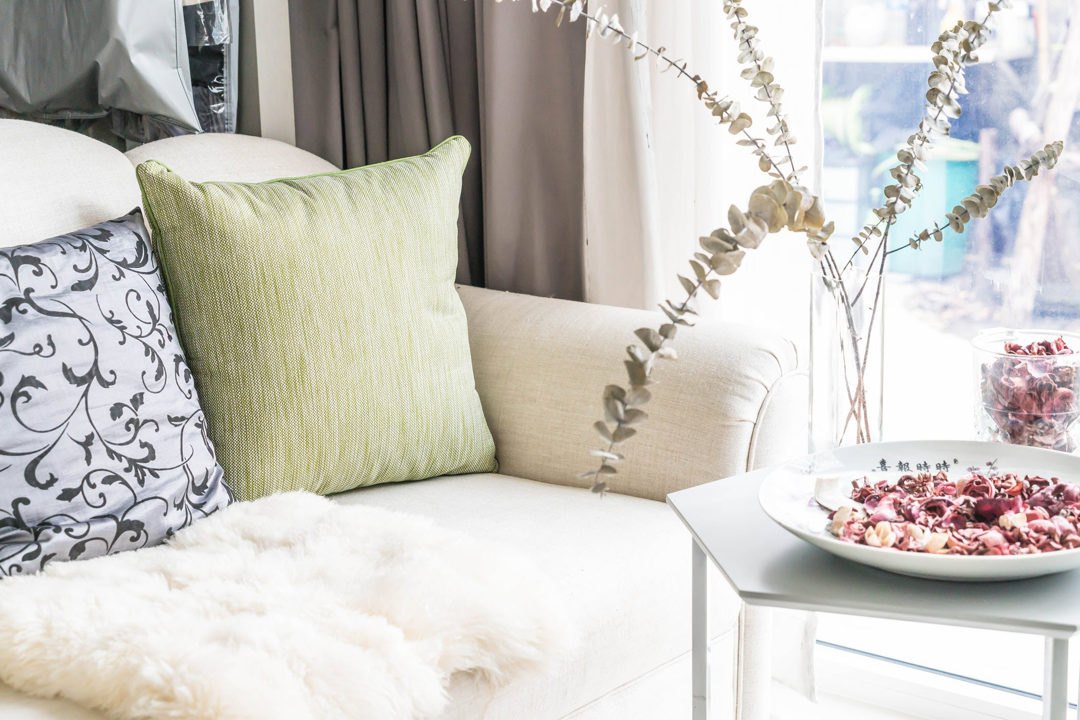 5 Easy Inexpensive Home Decorating Ideas For A Fresh New Look
