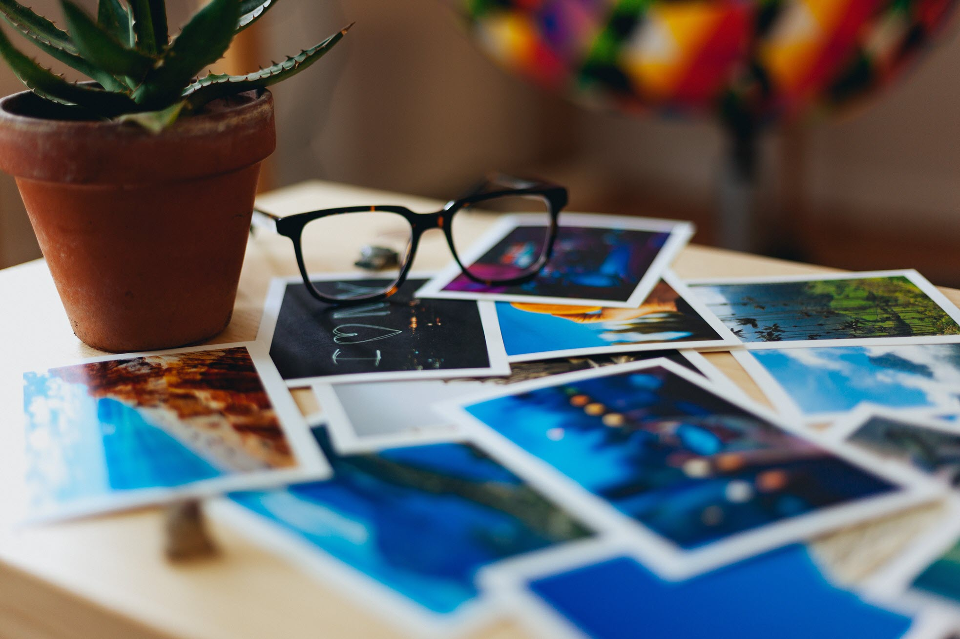 Display Photos Reduce Clutter
