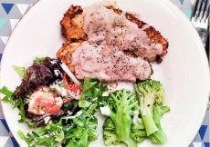 Chicken Cutlets With Savory Strawberry Onion Cream Sauce