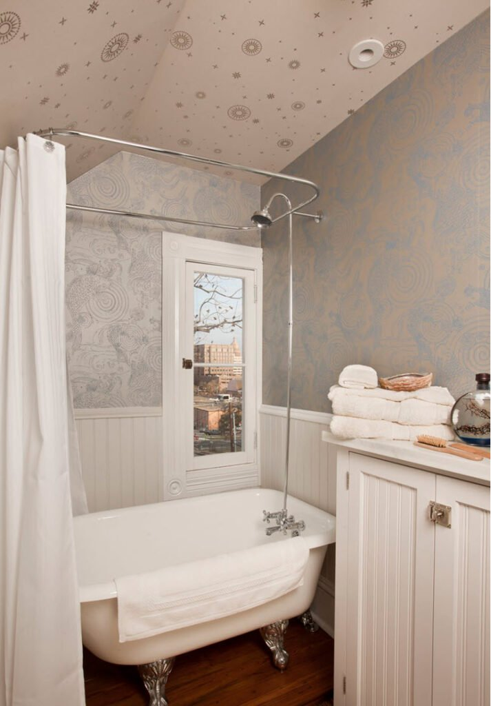 Attic Bathroom Ideas