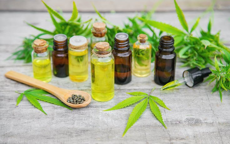 Hemp Oil vs CBD Oil: What's The Difference Between The Two?