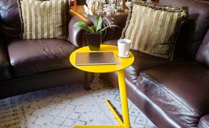 How To Perk Up Your Spring Decor With A Colorful Side Table