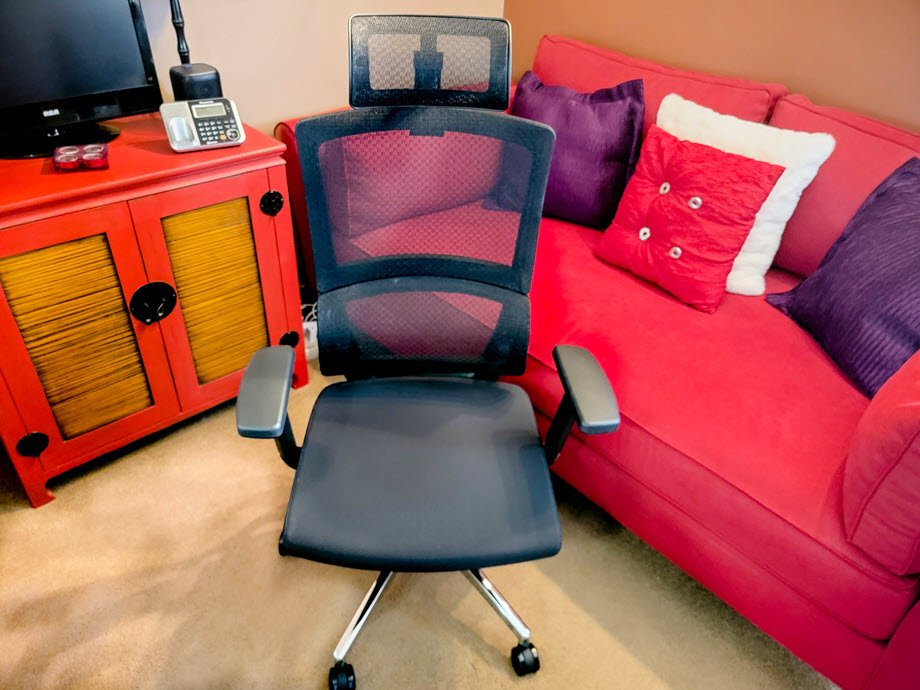 How This Ergonomic Office Chair Prevents Slouching And Corrects Posture
