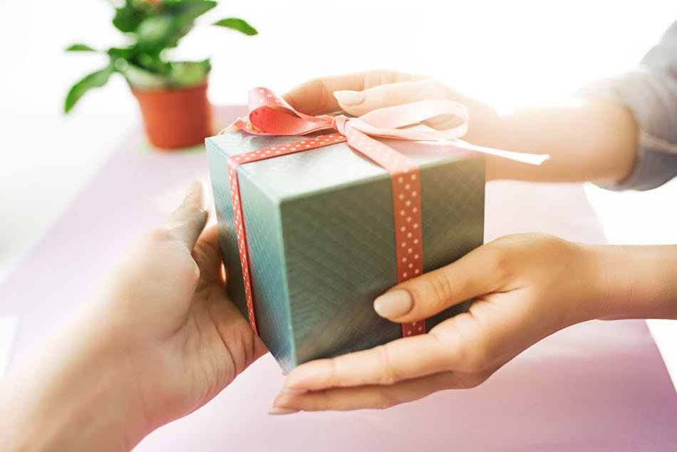 5 Wonderful Realtor Gift Ideas That Express Thanks After Closing