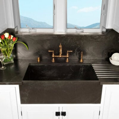 10 Farmhouse Kitchen Sinks To Consider For Your Next Remodel Featured