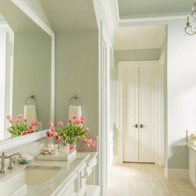 10 Simple And Beautiful Bathroom Decorating Ideas Featured