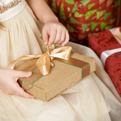 5 Christmas Gift Ideas For Kids They Always Enjoy FEATURED