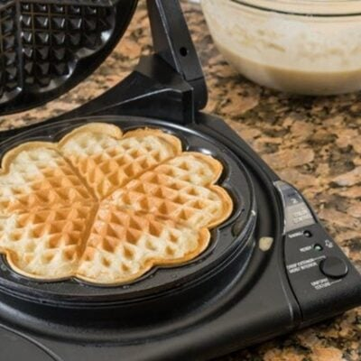 5 Reasons To Add A Waffle Batter Dispenser To Your Kitchen Featured
