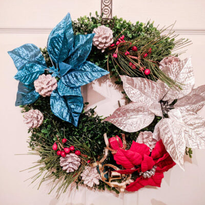 FEATURED How To Easily Make A Beautiful Patriotic Christmas Wreath 9