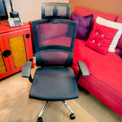 How This Ergonomic Office Chair Prevents Slouching And Corrects Posture 17