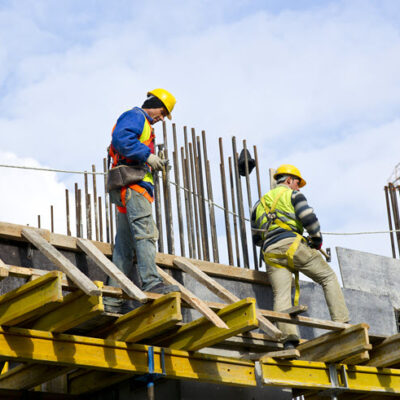 How to Hire the Top Construction Workers in Your Area FEATURED