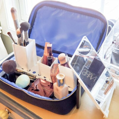 Organize Makeup Easily Wherever You Are With The Traveler FEATURED
