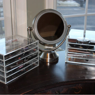 Reorganize and Store Your Makeup With The Best Acrylic Cases FEATURED