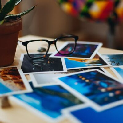 The Best Way To Display Photos And Reduce Clutter FEATURE