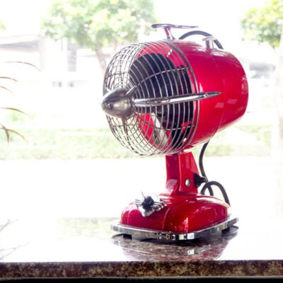 You Need To See These Surprisingly Stylish Table Fans FEATURED