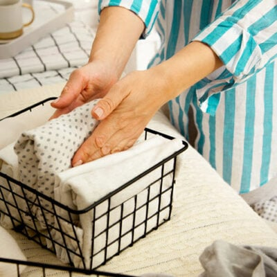 hands-young-housewife-woman FEATURED