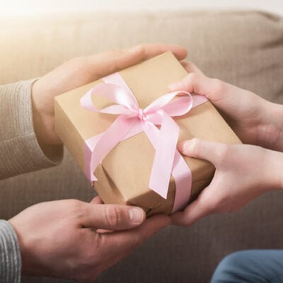 man-giving-present-to-woman-featured